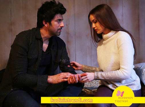 lene Kadar 4 bölüm kıyafetleri selvi ekru triko kazak Dağhan kareli gömlek lacivert tişört ve jean pantolon