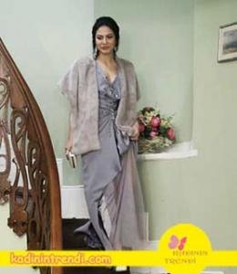 No-309-34-bölüm-dizi-kıyafetleri-Lale-gri-abiye-elbise