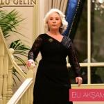 Esma Sultan broşlu siyah elbise hangi marka?