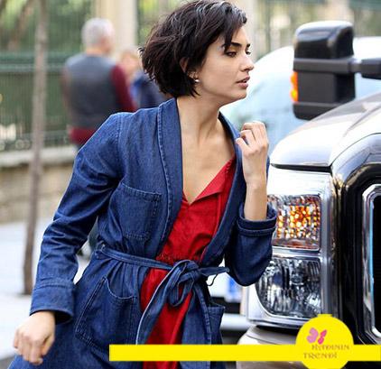 Cesur ve Güzel 20 bölüm tuba büyüküstün mavi uzun kot ceket ve kırmızı bluz 1