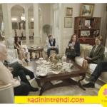 İstanbullu Gelin Boranların Konağında misafirleri ağırladıkları salon mobilyaları Villa Pamir markadır. Halı ve aydınlatma ürünleri ise Selvi Halı Ürünleridir.
