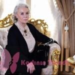 İstanbullu Gelin Esma'nın siyah hırkası NG Style Look marka