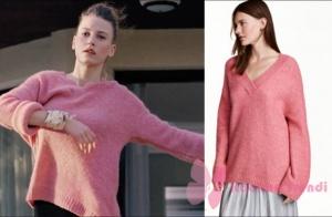 Fi 1. Bölümde Can Manayın Duruyu ilk gördüğü an durunun giydiği pembe salaş kazak H&M marka