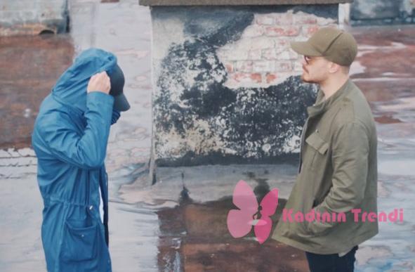 İçerde 35. Bölümde mertin giydiği mavi yağmurluk Boyner Sponsorluğunda