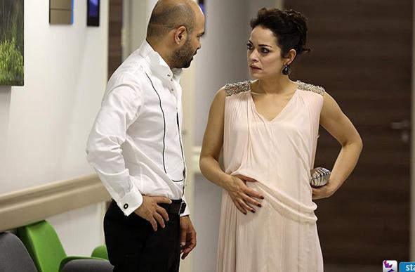 Cesur ve Güzel Cahide'nin düğünde giydiği pudra hamile abiyesi nereden? Markası araştırılıyor.