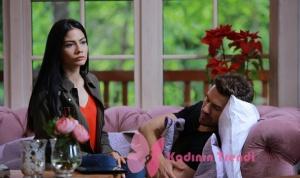 No 309 dizisinde 50. bölümde Demen Özdemir in canlandırdığı Lale karakterinin giydiği yeşil ceket Koton marka.