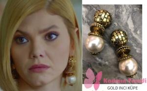 Dolunay Demet karakterinin taktığı altın rengi inci küpe markası Monreve