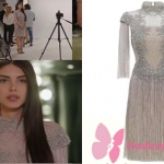 Fazilet Hanım ve Kızları Hazan kıyafetleri arasında en çok beğenilen Hazan'ın giydiği gümüş kolları püsküllü gece elbisesi oldu. Hazan'ın çekimlerde giydiği püsküllü elbisesi Zeynep Erdoğan marka. Elbisenin Fiyatı3450,00 TL zeyneperdogan .co web sitesinden bulabilirsiniz.