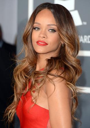 Rihanna ve kumral saç rengi rihanna saç modeli