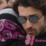 Fazilet Hanım ve Kızları Sinan Cenaze Töreninde taktığı güneş gözlüğü Turkuaz Optikten