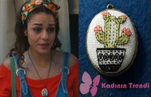 Kalp Atışı Esma kaktüs desenli kolyeBlack Cath and Made markadır.