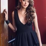 Çukur Dizi Sena'nın Siyah Elbisesi Esra Gürses marka. Sena takılar Bendis Takı'dan.