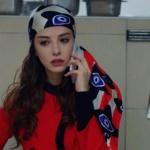 Dolunay 17. bölümde Nazlının kullandığı Eşarp şal markası Tukutuku