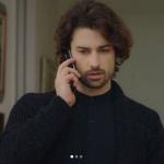 Fazilet Hanım ve Kızları Alp Navruz Sinan siyah hırka ve siyah hakim yaka gömlek markası KİP