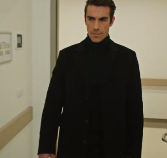 Ferhat / İbrahim Çelikkol siyah kazak Mudo marka.