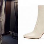 Fi 2. sezonda Durunun krem rengi palto ile giydiği topuklu beyaz bot markası Nine West