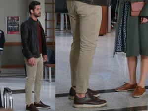 Meryem Dizisi Son bölüm Savaş'ın ayakkabıları İnci Deri. Savaş Bej Pantolon markası araştırılıyor. Savaş Deri Ceket Derimod marka