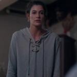 1- 5- Fi Çi 4. bölüm Özge Kıyafetleri Özge'nin giydiği gri sweatshirt hangi marka?