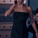 Fi Çi 5. Bölümde Özge nin giydiği straplez siyah elbise hangi marka
