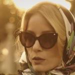 Ufak Tefek Cinayetler dizisinin Daha önceki bölümde Pelin'in taktığı güneş gözlüğünün markası DSQuared2. Gözlüğün sponsoru Turkuaz Optik.