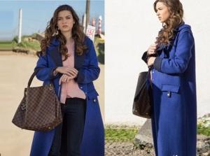 Fazilet Hanım ve Kızları Ece mavi uzun kaban Vekem marka