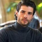 Gülizar 2. bölüm Berk Cankat sponsorları Murat'ın Gülizar dizisinin 2. bölümünde giydiği gri boğazlı triko kazak nereden