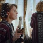 Gülizar dizisinide ilk bölümde Gülizarın giydiği kilim desenli bordo hırkanın markası nereden