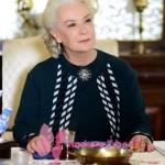 İstanbullu Gelin 38. bölümde esmanın giydiği siyah beyaz triko hırkanın markası Triko Mısırlı