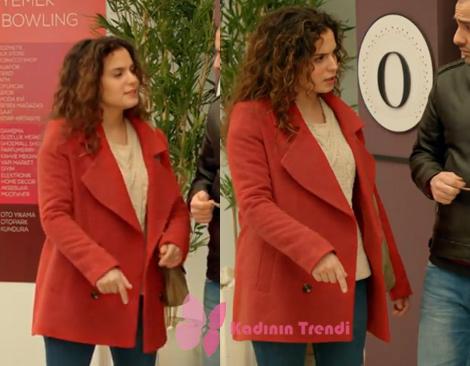 Jet Sosyete 3. bölüm Melikenin giydiği kırmızı kaban hangi marka