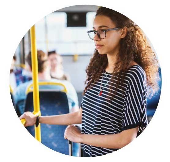 Koronavirüs Türkiyeye Geldi. Korona virüsünden korunmak için neler yapabiliriz toplu taşıma araçlarında ellerinizi koruyun